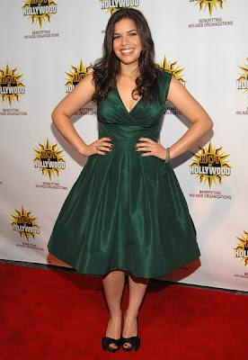 http://2.bp.blogspot.com/_ND920tPjWkA/SKiYtmkhLOI/AAAAAAAAJZM/kYQzeiS5-3o/s400/america+ferrera+green+dress.jpg