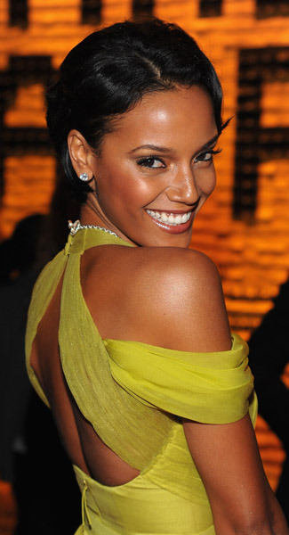 selita ebanks short hair. Selita Ebanks looked gorgeous