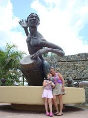 Sculpture by David Aponte Resto in Caguas