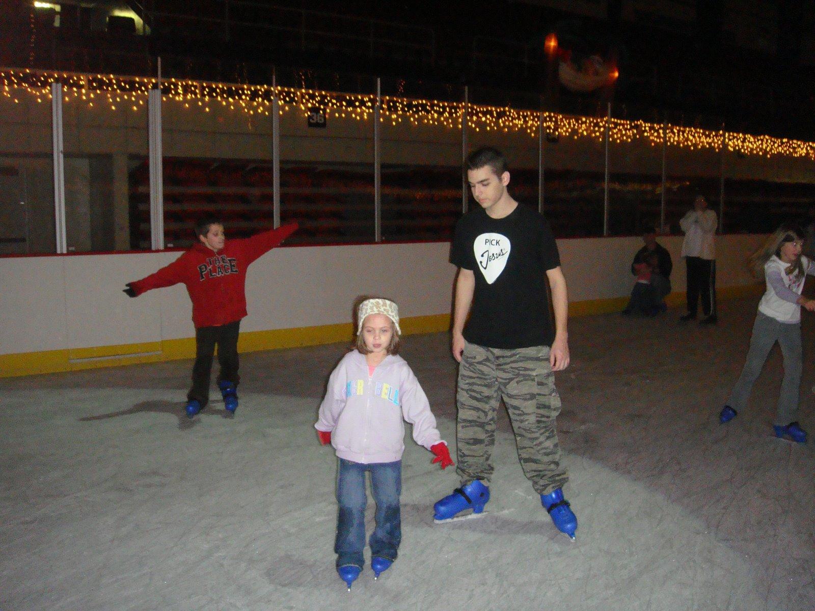 [skating+077.JPG]