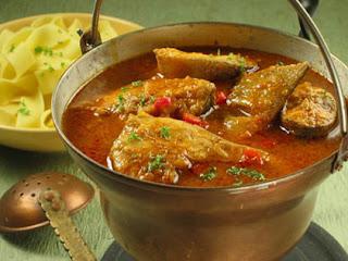 Ukha - sopa tradicional ucraniana feita de peixe