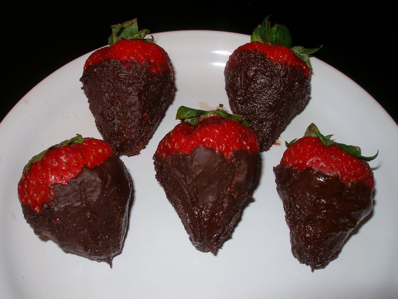 Chocolate Dipped Strawberries:) | Kitchen Tantra