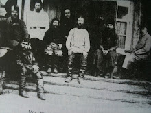 Monseigneur Hilarion Troïsky, Evêque, Nouveau Martyr, entouré de Moines à la pêcherie du Goulag de