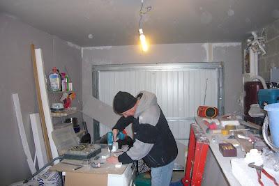 Isoler un garage - Poser du carrelage