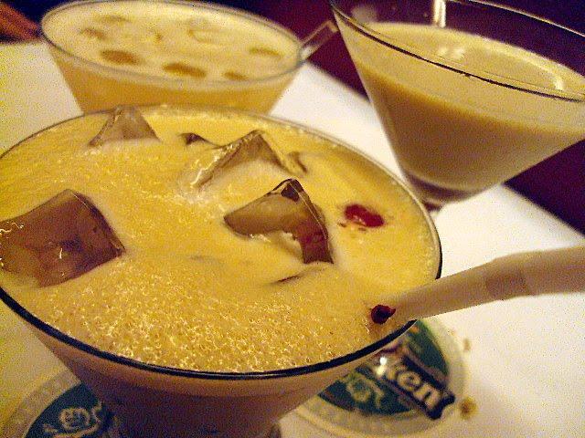 Cafeini Martini (kahlua, creme de cacao, butterscotch, espresso, milk),