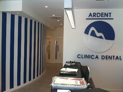 Clinica dental zaragoza milvinilos - Decoracion clinica dental ...