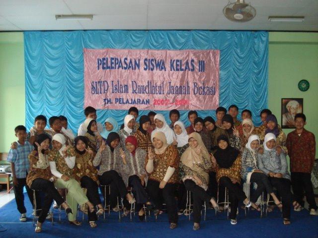 Siswa Kelas 9 Tahun Pelajaran 2007/2008