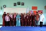 Keluarga Besar SMP Islam Raudlatul Jannah Bekasi