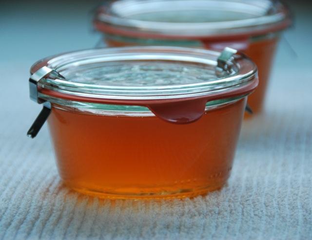 how to make apple jam with pectin
