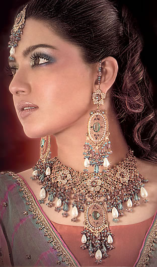 Anarkali: Sara Chaudhry Wedding Jewellerysara chaudhary wedding pics