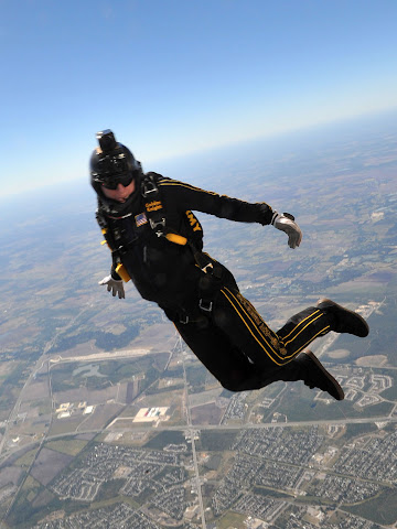United States Army Parachute Team - Golden Knights Jumping Out- USAF News Release