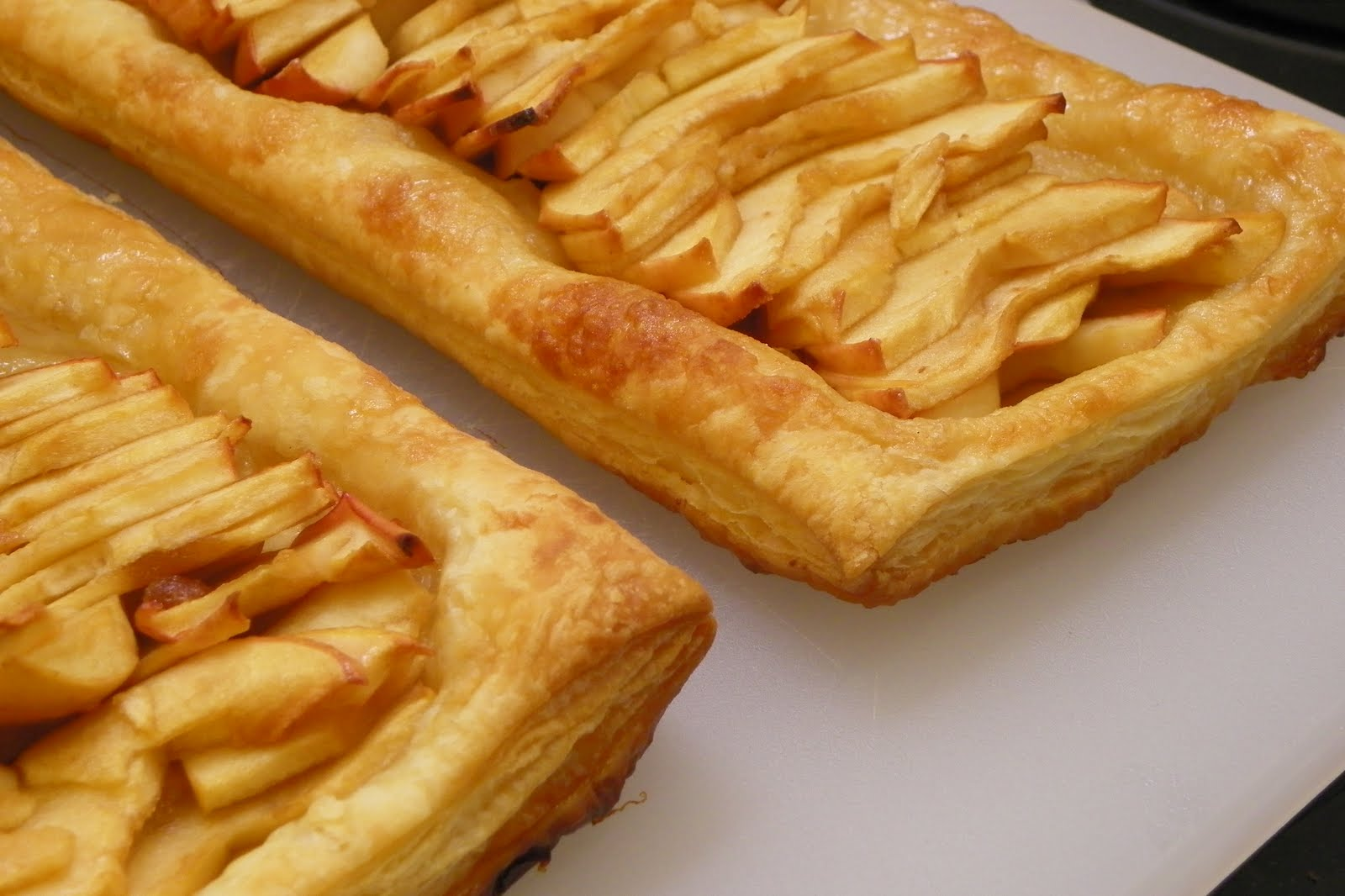 Having Fun in the Kitchen!: Pioneer Woman's Apple Tart