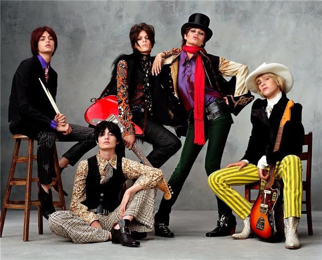 [9+Various+models+as+The+Rolling+Stones.jpg]