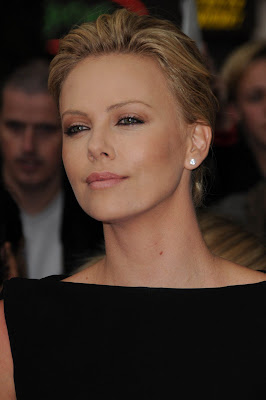 charlize theron short haircut