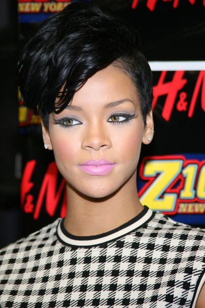 Inverted bob haircut Rihanna