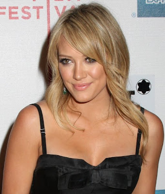 hilary duff wedding hair. Although Hilary has worn her