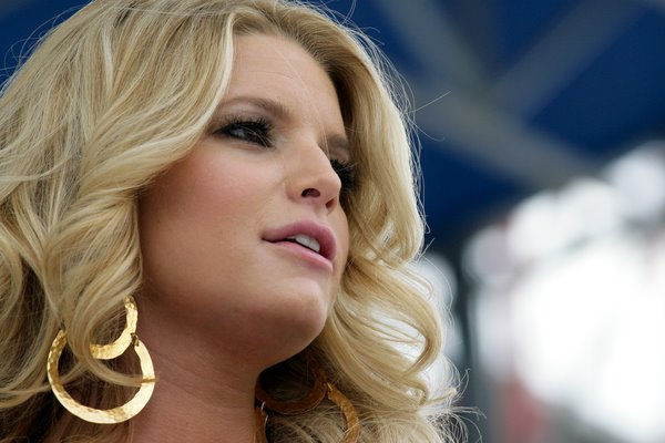 Jessica Simpson Curly and Wavy hairstyles