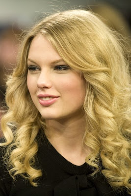 Taylor Swift Natural Hair, Long Hairstyle 2011, Hairstyle 2011, New Long Hairstyle 2011, Celebrity Long Hairstyles 2064