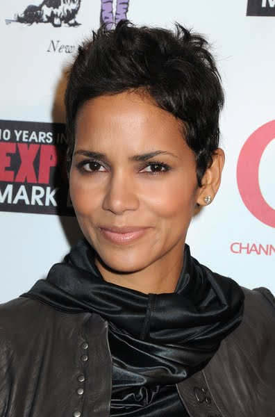 hairstyles with short hair. halle berry short hair 2009. Halle Berry Hairstyles 2009,
