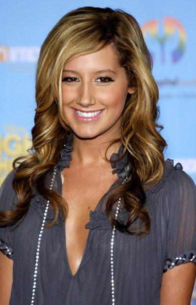 ashley tisdale hairstyles 2009