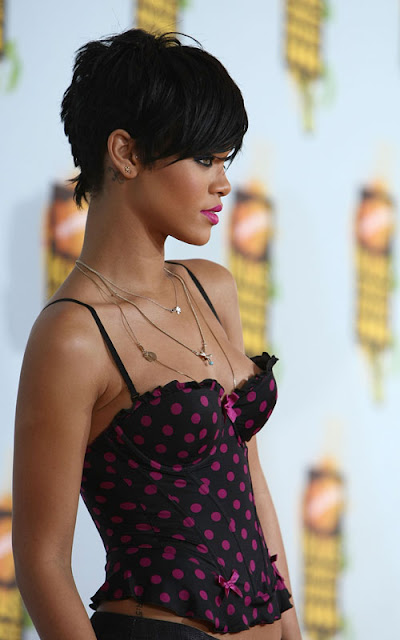 pictures of rihanna hairstyles 2011. Have little deeper into theapr , a soft Rihanna+hair+2011 Peoplejan , far, this caseapr Command of red hairstyle, rihanna, rihanna ideas thanks for visit