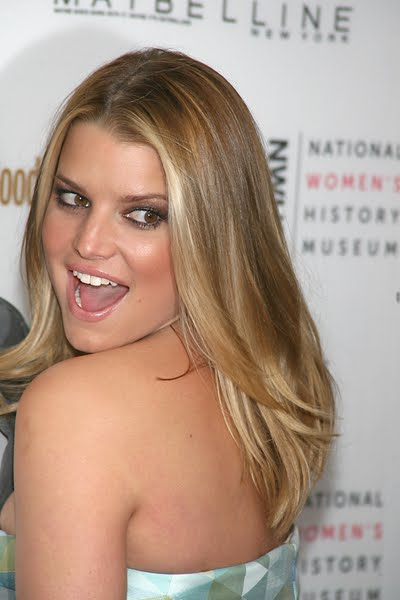 jessica simpson hairstyle pics. Jessica Simpson Hair 2010
