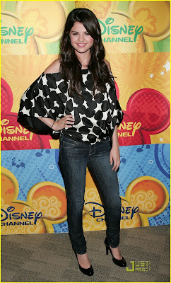 Selena Gomez Disney Channel on Selena Gomez  Disney Channel Verano 2009   Tv Online En Vivo