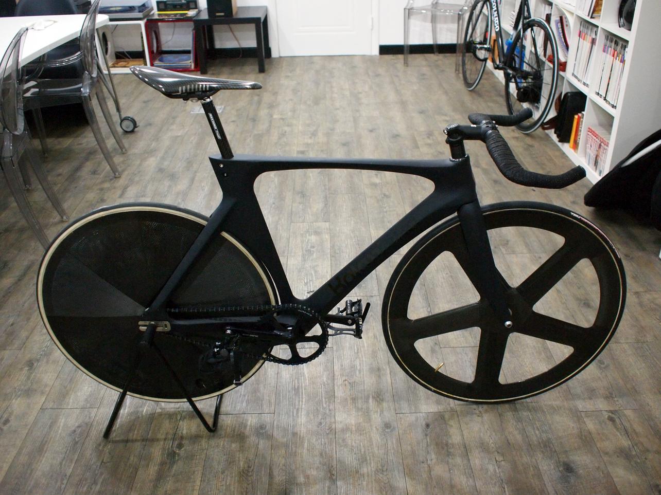 http://2.bp.blogspot.com/_NPSFjqm4QpQ/TSKN1p5EfxI/AAAAAAAAAgU/jlT1Ss8mmo4/s1600/blackbikes+005.JPG