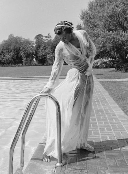 Splash Esther Williams Page Esther Williams By The Pool