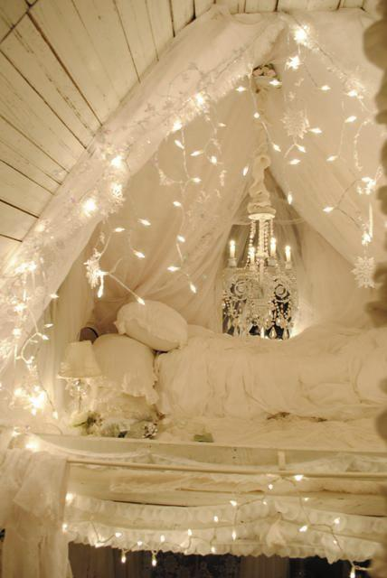 trailer, vintage, 1960, bedroom, canopy, dreamy, romantic, cozy