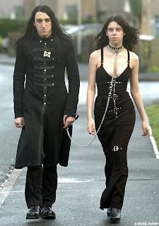 Ζουν ανάμεσά μας.. οι συγκεκριένοι είναι ράτας ...Goth / gothic