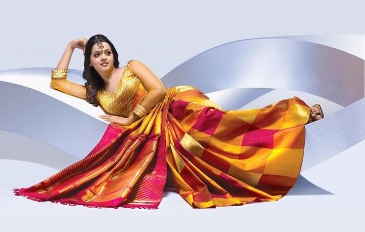 Actress Bhavana Latest Pics in Saree  stills