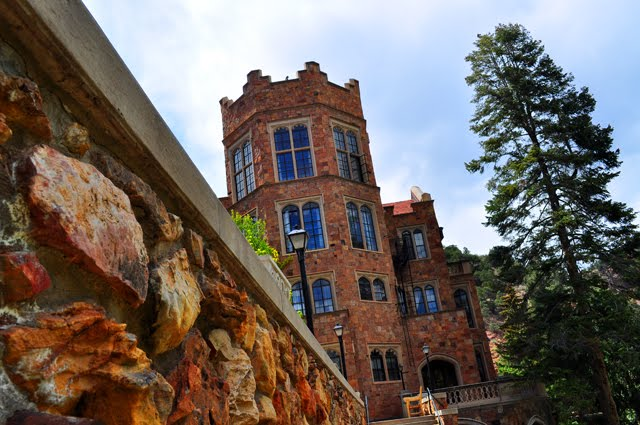Random thoughts and treasures glen eyrie castle part 1 for Glen castle