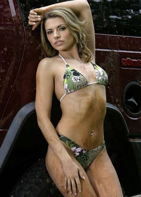 Sexy Girls in Bikini