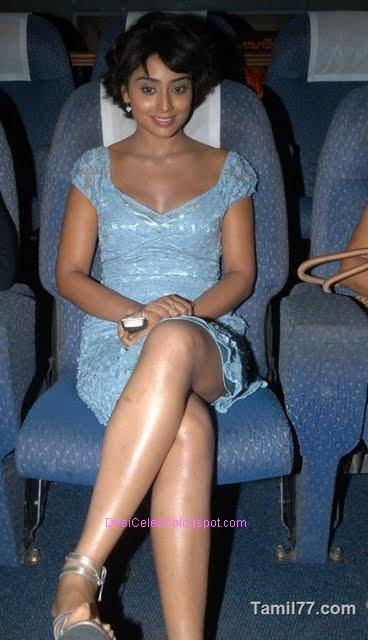 Shriya Saran hot sexy legs exposure