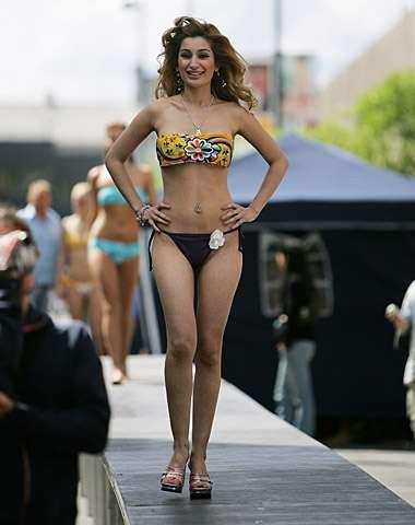 Negar Khan in bikini exposing