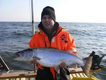 Sonen med båtrekordet från gamla båten 8,5 kg
