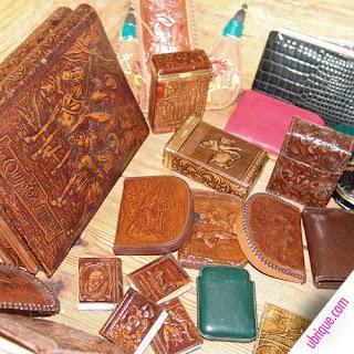 Antiguas piezas repujadas [Foto: Ubrique.com]