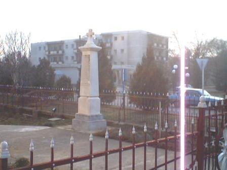 Monument eroi sarbi