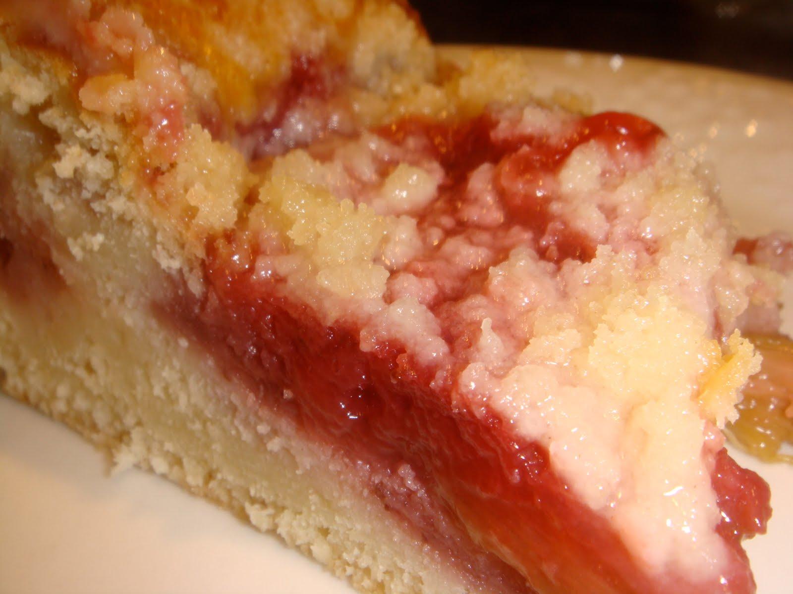 The Good House: strawberry-rhubarb coffee cake