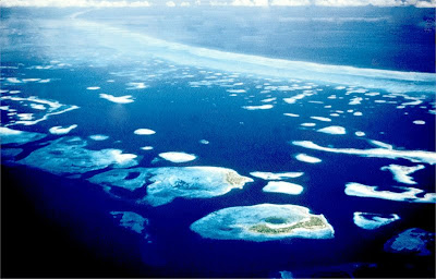 Pinnacle reefs to the lea of the Belize Barrier Reef: Jim Ebanks photo
