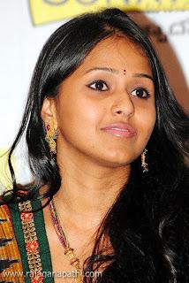 singers stills mahathi chinmayi