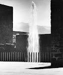 FUENTE EN ENTRADA 1957
