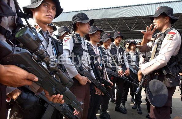 Aksi Damai Brimob Dengan Kostrad Gorontalo Pasca Bentrokan