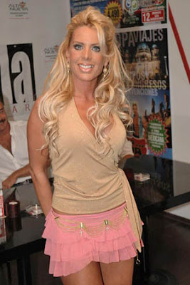 Britney Gets A Pleasant Surprise When She Sees The Femme Fatale Tour