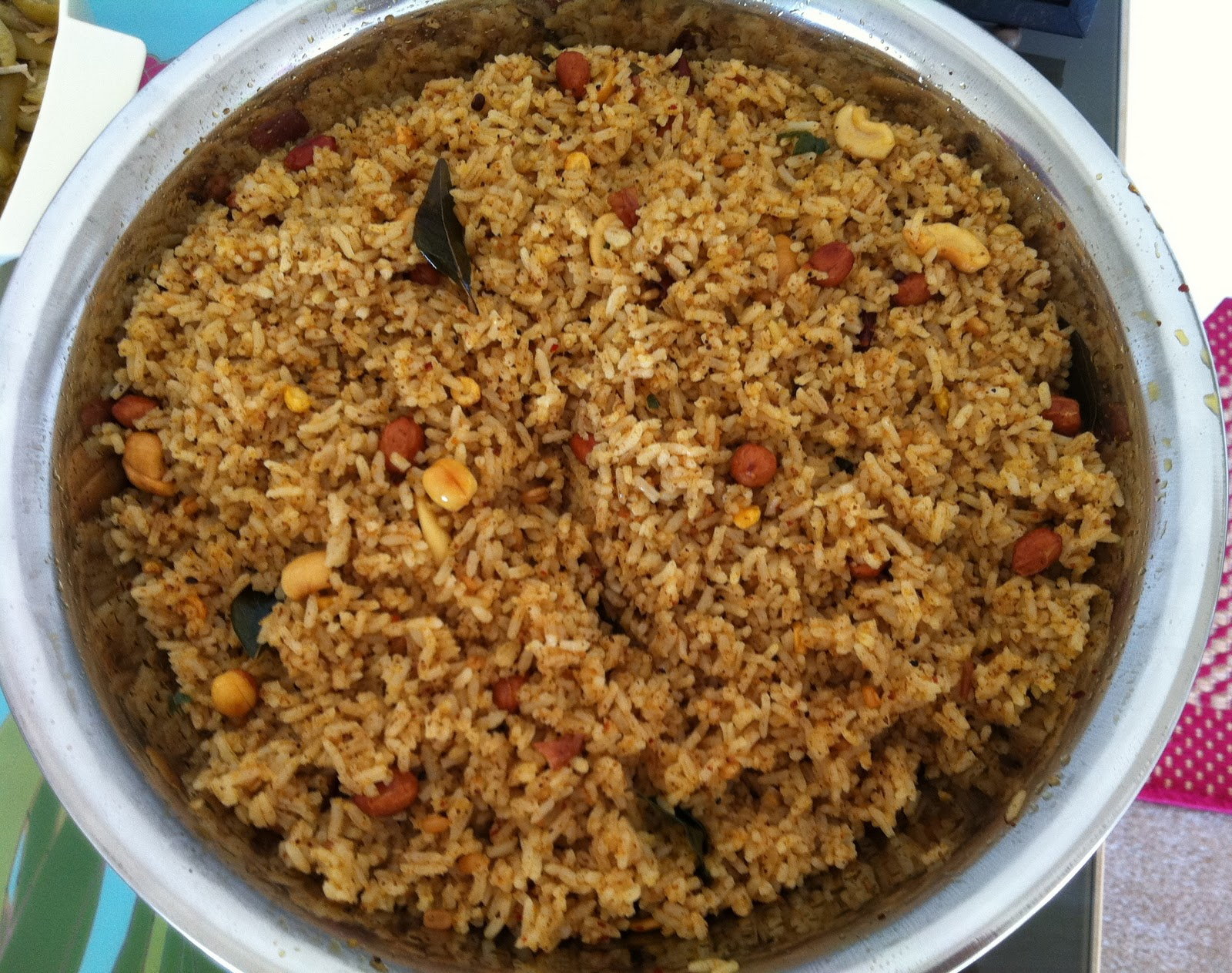 RECIPIES: Tamarind Rice / Puliyodharai