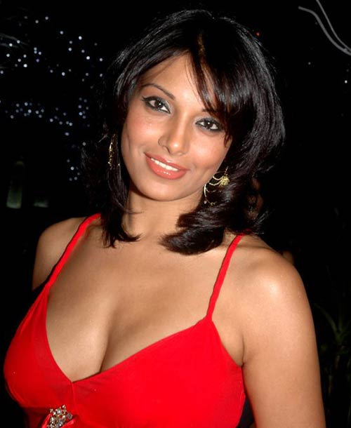Hot boobs of bollywood actress