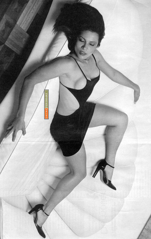 Monica Sanchez: Galeria Mosa058g512