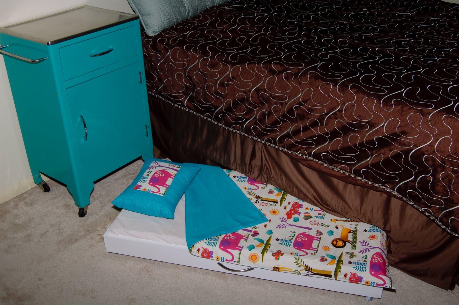 lilybug designs toddler trundle bed tutorial -