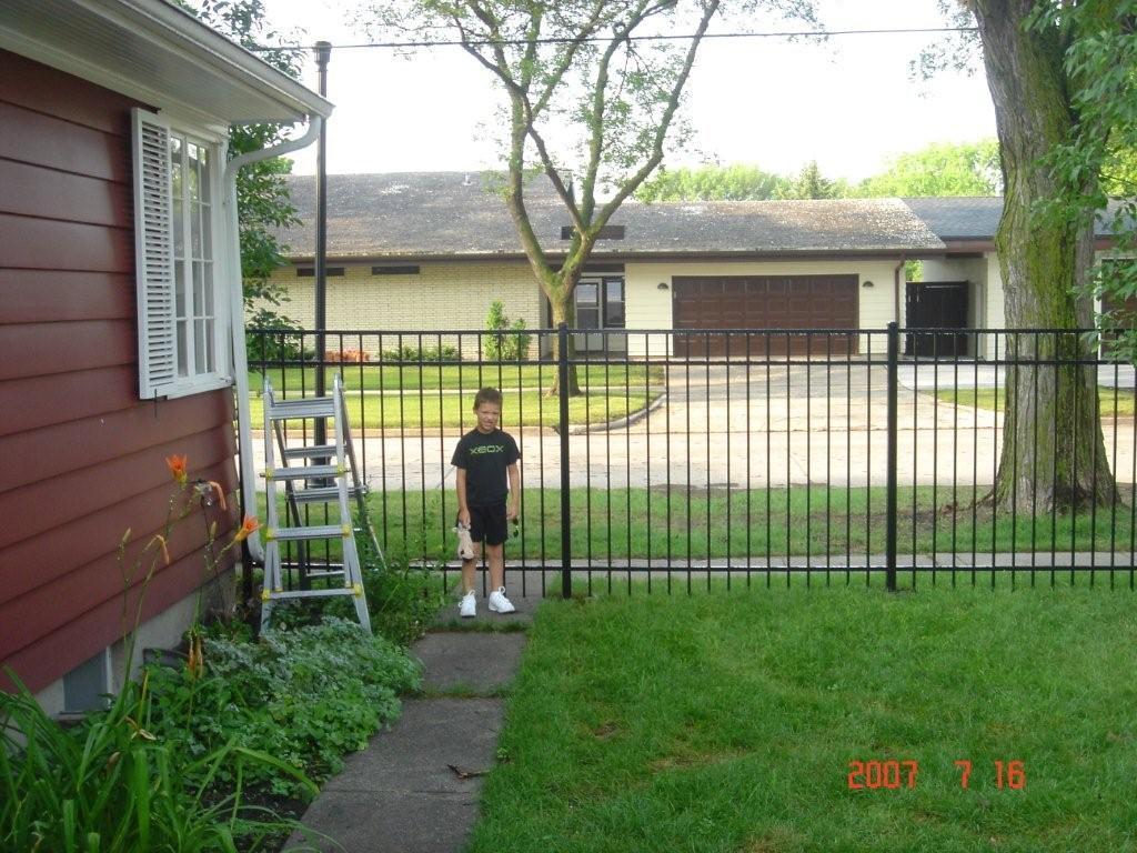 [Fence2]